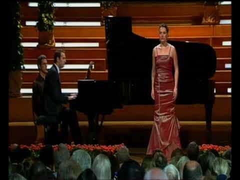 "Elizabeth Bailey sings ""Do not go,my love"" by R. Hageman"