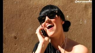 Смотреть клип Mischa Daniels & Tara Mcdonald - Beats For You