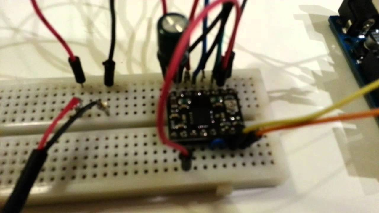 how to add another motor to a breadboard