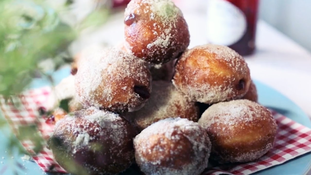 How to make doughnuts bbc good food youtube forumfinder Gallery