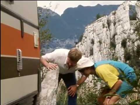 Der Mann der keine Autos mochte [Folge 4/6, Vom Regen in die Traufe] (1984, Regie: Dieter Wedel)