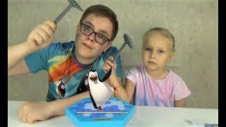 Супер ПИНГВИН! Играю с Алисой в игру для детей! Entertainment for children Игра Тонкий Лед для детей