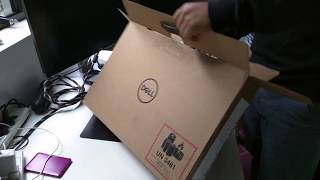 Unboxing Dell new XPS 15 - 9570 8th Gen i7-8750H