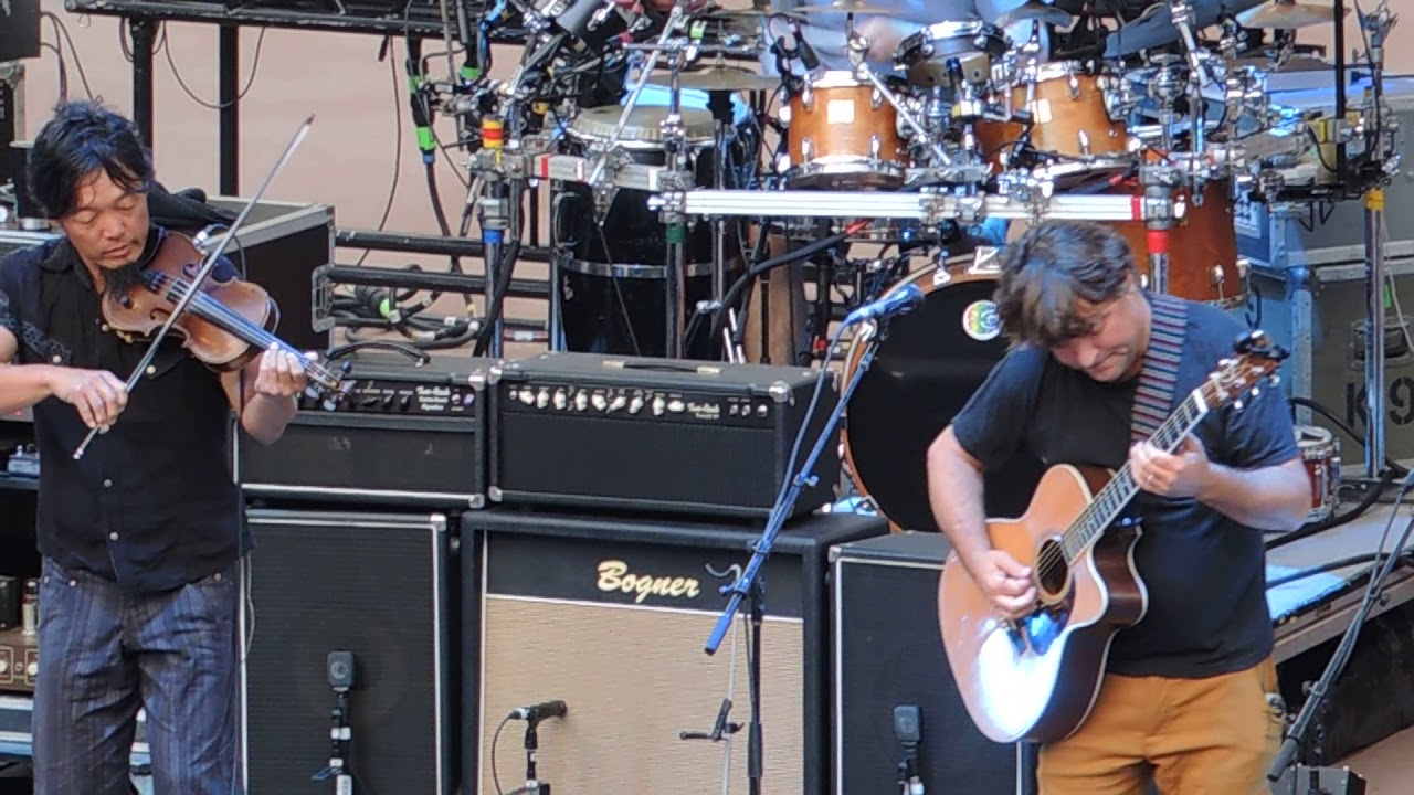 The String Cheese Incident Plays 'Breathe' With Keller Williams