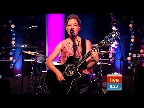 Sunrise - Missy Higgins Performs Everyone's Waiting