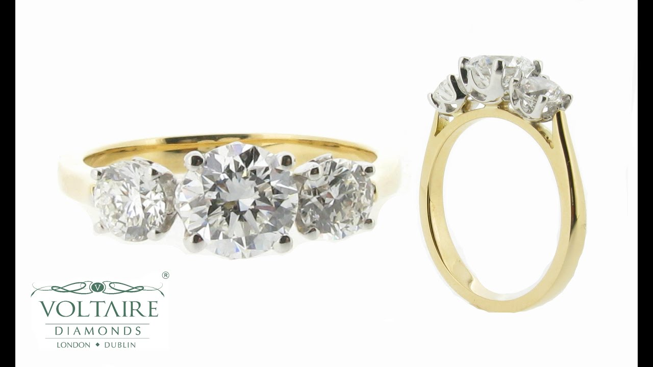 Graduated Three Stone Engagement Ring In Yellow Gold Er 1043