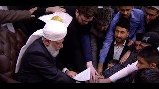 October2017 - 85 Pakistani, Suni & Shia accept AHMADIYYA in London