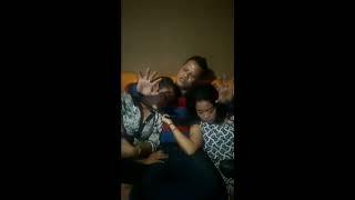 Download Video ngerjain pemandu karaoke sampe lemes MP3 3GP MP4