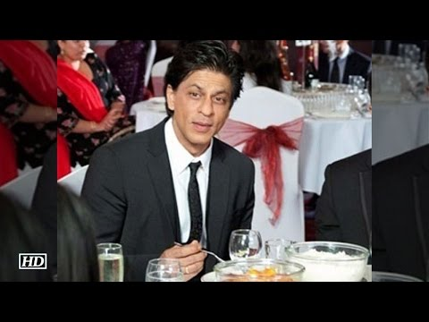 shah-rukh-khan-shy-about-eating-in-front-of-people