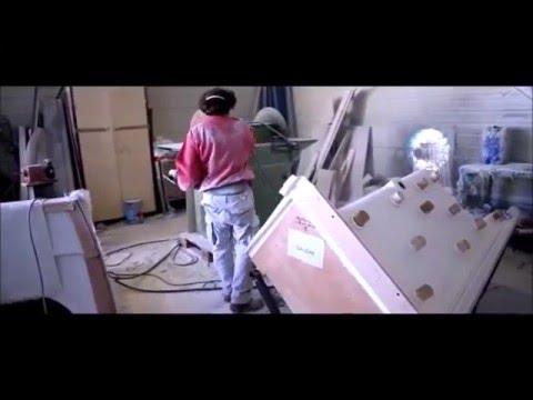 receveur de douche pour remplacer une baignoire youtube. Black Bedroom Furniture Sets. Home Design Ideas