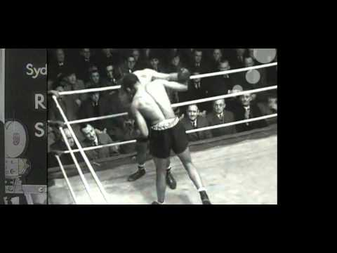 Archie Moore vs Ron Richards (rematch) - July 11, 1940 - (short clip with no audio)