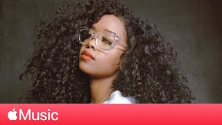 "Gambar cover H.E.R. – ""Comfortable"" and ""I Can't Breathe"" Live l Black Music Month 