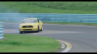 Muscle Cars Meet Formula 1 - /DRIVE American Roadtrip Trailer