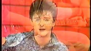 CRVENA JABUKA - SA TVOJIH USANA (1986.g, Tv Studio Snimak)