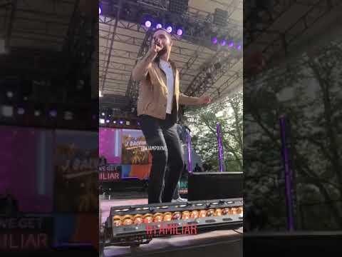 """J Balvin y Liam Payne interpretan """"Familiar"""" en el GMA Concert"""