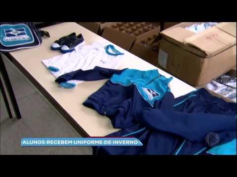 Alunos da rede municipal de Guarulhos recebem uniforme de inverno