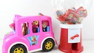 Maşalar Bir Otobüs Dolusu Şekerler Çikolatalar Ve Bonibonlar Alıyor Eğlenceli Çocuk Videosu