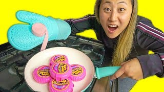 CAN YOU COOK BUBBLE GUM?!