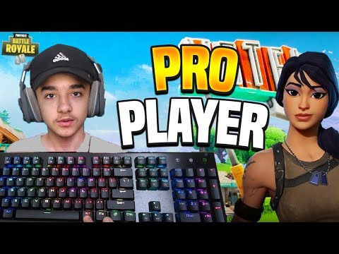 ? CLOUT SCRIMS  // 14 YR OLD PRO PLAYER // KEYBOARD CAM // Fortnite Gameplay + Tips! thumbnail