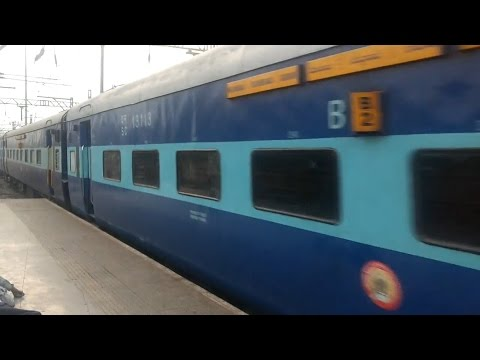 Amazing braking by WCAM2P Devgiri Express at Thane