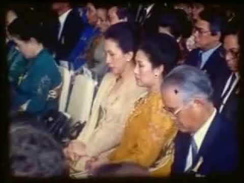 Short Clip Tilawah Kiyai H Muammar ZA Acara Penobatan Sri Sultan Hamengku Buwono X 1989