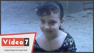 بالفيديو.. دعاء جميل من طفلة لشقيقها فى أثناء امتحانه مادة الإحصاء