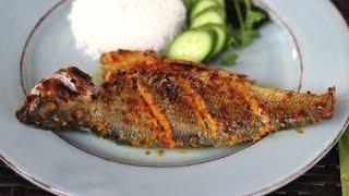 Vietnamese lemongrass chili fish (Cá ướp sả ớt)