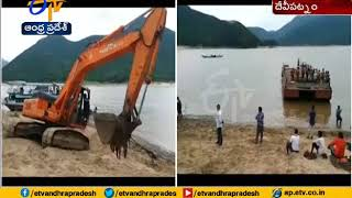 Godavari Boat Mishap | Rescue Operations Underway | Live Update