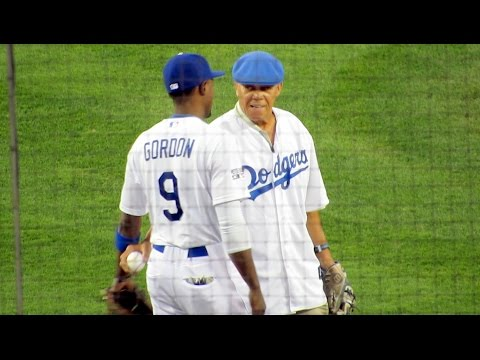 Maury Wills First Pitch at Dodgers Game 2 NLDS 10-4-14