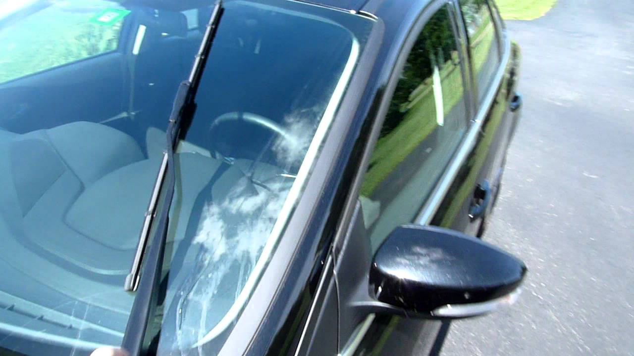 2012 ford focus windshield wiper feature youtube. Black Bedroom Furniture Sets. Home Design Ideas