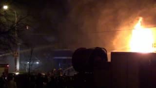 Пик пожара в магазине Русь на Нагорной 33 в 2013. (Сейчас магазин отстроен заново и работает)