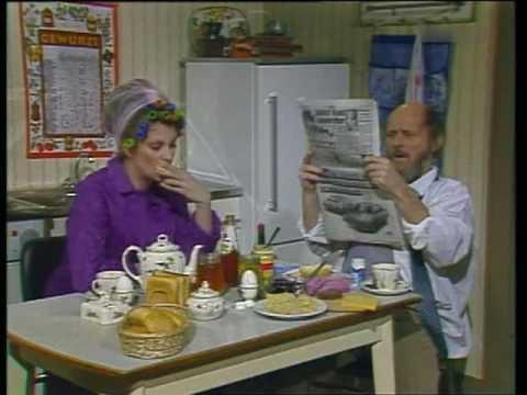 Frühstück mit Zeitung 1983