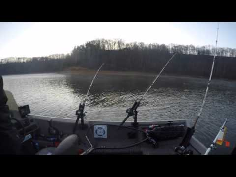 2016 Spring Striper Fishing//Lake Cumberland KY