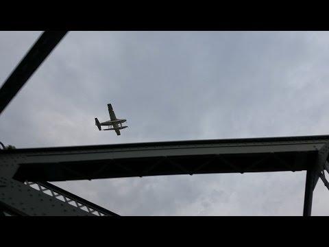 CROSSING THE WILLIAMSBURG BRIDGE IN UNDER 5 MINUTES