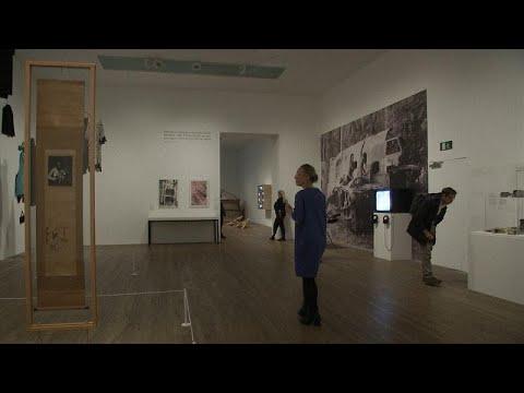 Video sanatın öncüsü Paik Londra'da