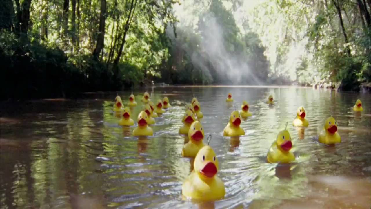 O2 Advert Top Up Surprises Rubber Ducks Around The