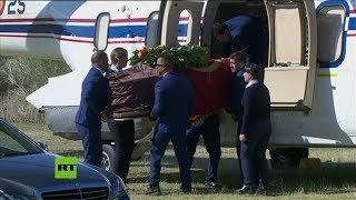 El cadáver de Franco llega al cementerio de Mingorrubio