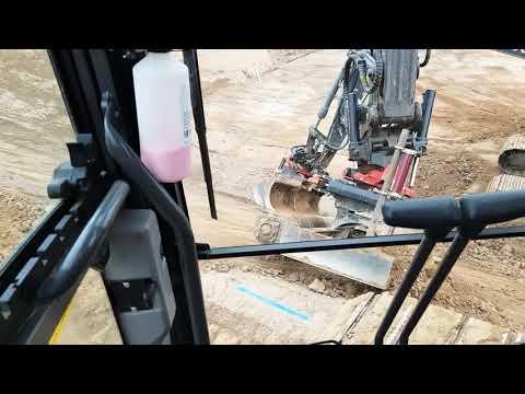 Using Rototilt R4 Tiltrotators to trim batters - YouTube