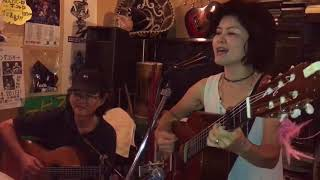 1.「ほほえみほろよ」作詞/作曲:鈴木敬子 2.「ウイスキーの唄」作詞/作...