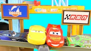 Disney Cars 3 Piston Cup Motorized Garage Lighting McQueen Races Crashes Jackson Storm Cruz Ramirez