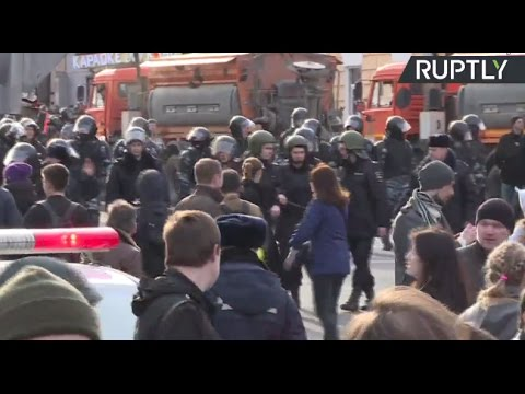 Protesters detained during anti-corruption protest in Moscow