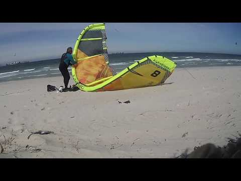 Blouberg Kitesurfing ,Cape Town ,24 knots.,8m Cabrinha Switchblade Ca