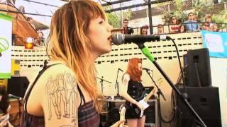 Vivian Girls - Surfin