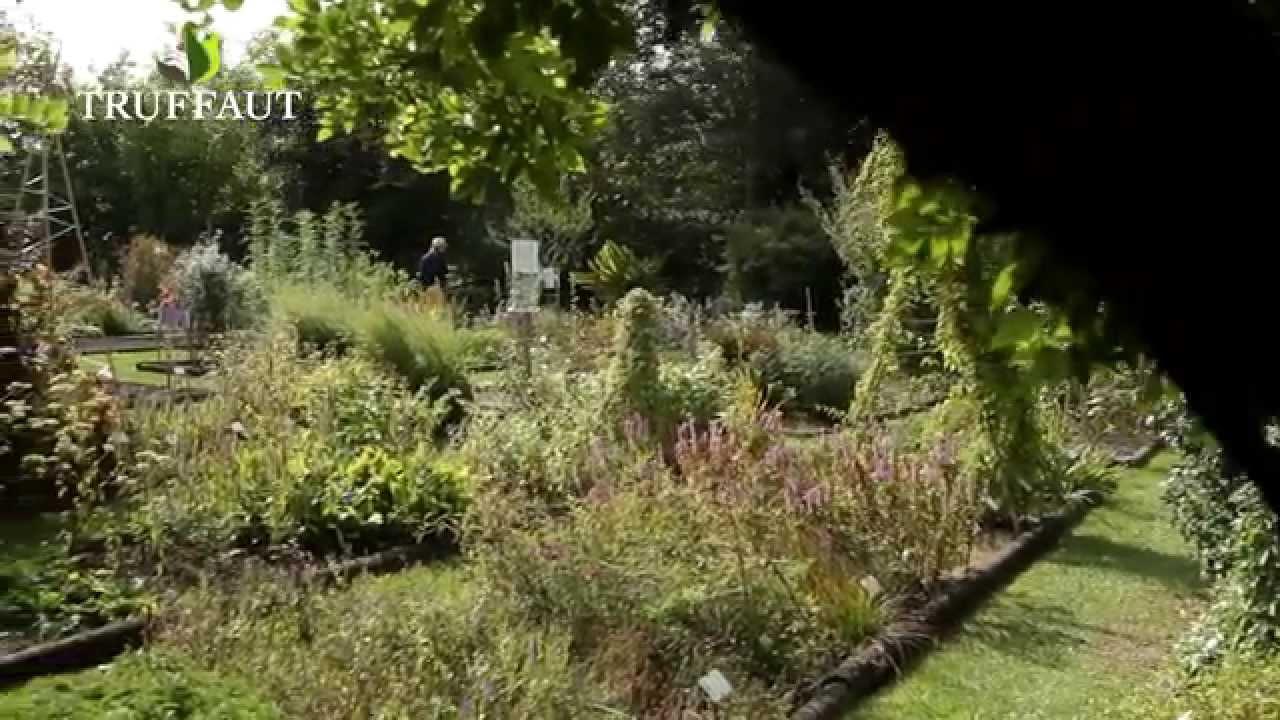 a la d couverte du conservatoire des plantes aromatiques jardinerie truffaut tv youtube. Black Bedroom Furniture Sets. Home Design Ideas