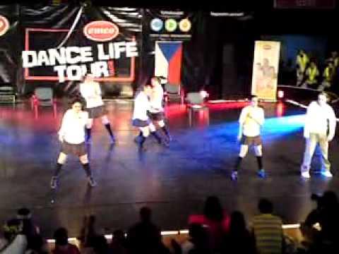 M - Plus - University - Street dance show - small groups adults
