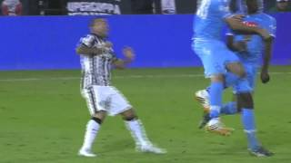 Carlos Tevez nutmegs the keeper, gives Juve the lead vs Napoli 2014