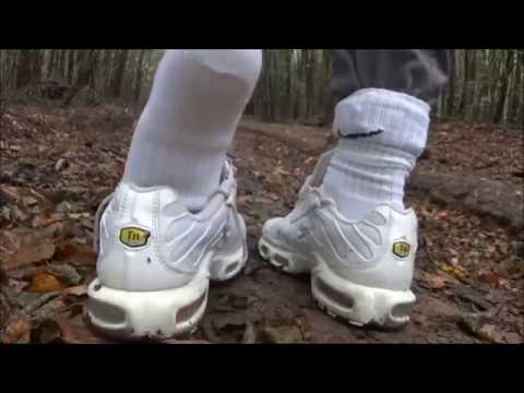 white sneakers for the forest´s mud - nike air max tn adidas top ten and a bonus ^^