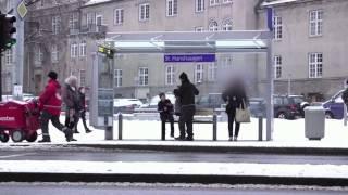 當路人看到冷到發抖的小男孩時,會發生什麼事?[中文翻譯] thumbnail
