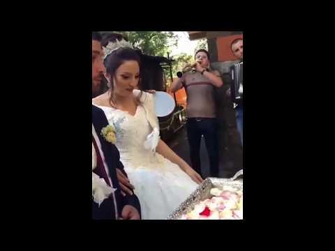 Свекровь кормит молодоженов медом / Шикарная армянская свадьба в Ереване 2018