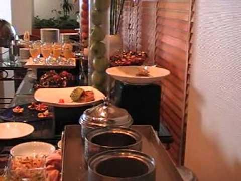 Hotel Kempinski Ajman Speisesaal Buffet Luxushotel Emirate Strandhotel Luxushotel